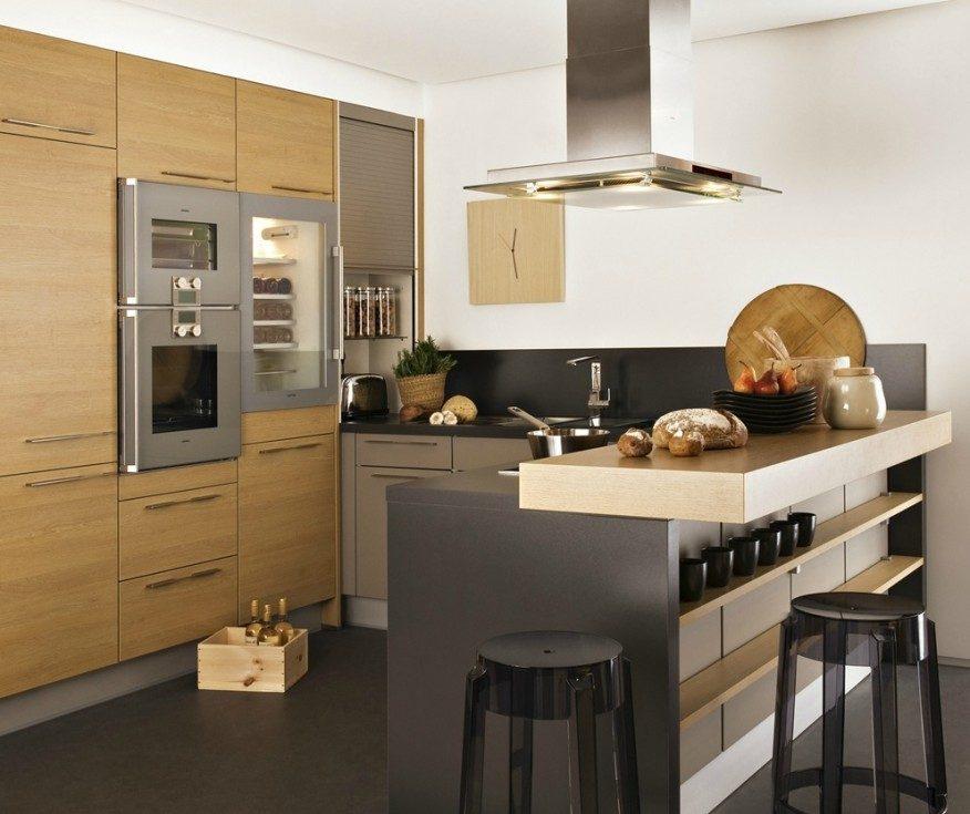 Cocina abierta con muebles de madera im genes y fotos for Cocina americana pequena moderna