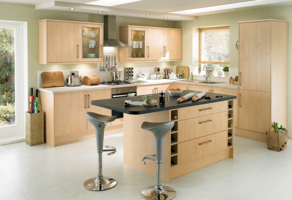 Cocina abierta de toques r sticos modernos im genes y fotos for Cocina abierta azulejos de cocina