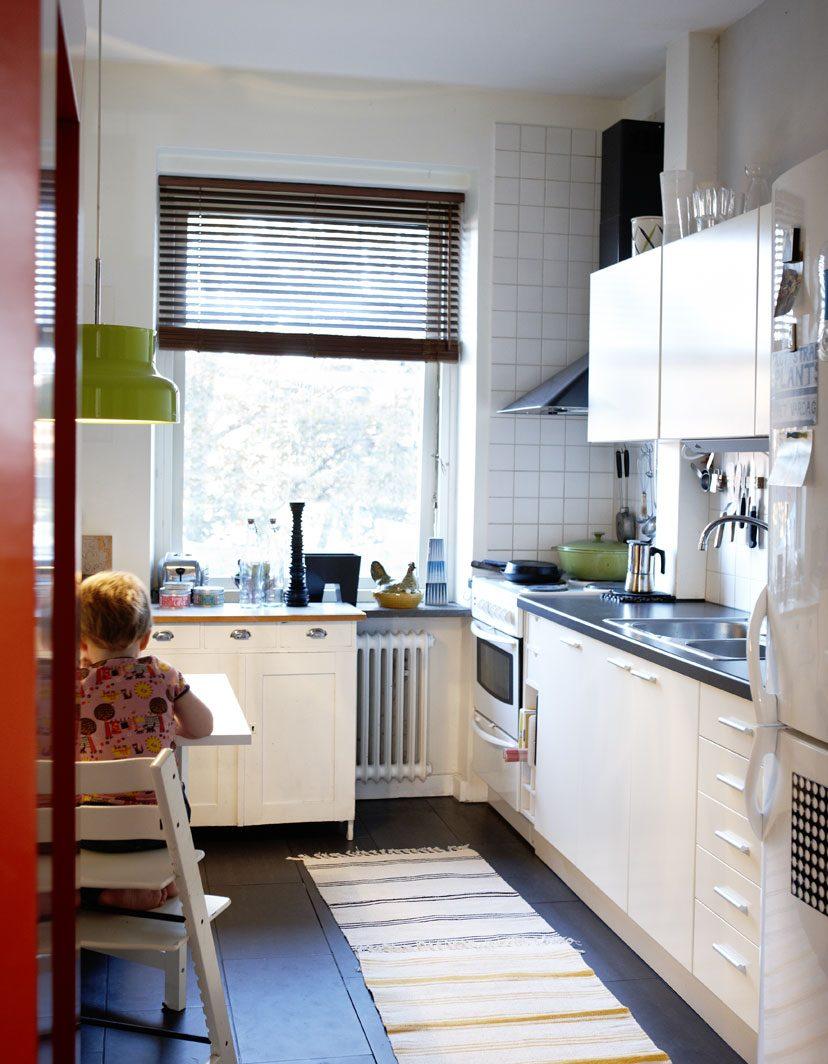 Galer a de im genes ideas para decorar una cocina peque a for Distribucion cocina alargada
